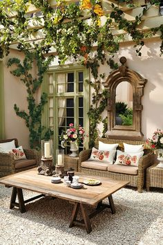 Breathtaking photos of patios. Covered patios, pergola, terraces & more. Get inspired by these stunning patio designs, just clicking here. Outdoor Rooms, Outdoor Decor, Party Outdoor, Outdoor Mirror, Outdoor Seating, Rustic Outdoor, Outdoor Entertaining, Outdoor Patio Decorating, Outdoor Ideas