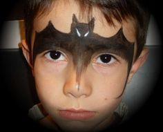 maquillage chauve-souris sur le front
