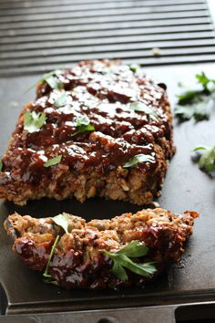 Jump to Recipe Editor's Note: This recipe has been updated. Old pictures of original post are below. I loved meatloaf as a kid. As I got older, I wanted to keep my traditional meatloaf recipe but make it healthier. I can remember watching Healthy Appetit Food Network Recipes, Gourmet Recipes, Vegetarian Recipes, Cooking Recipes, Vegan Meals, Amish Recipes, Dutch Recipes, Vegan Foods, Vegan Dishes