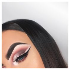 """146 Likes, 8 Comments - Louise Francis  (@lowisee) on Instagram: """"Tried the invisible liner trend and came up with this ✨ @myartistcommunityswansea #macswansea…"""""""