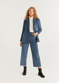 Discover the latest trends in women's trousers. Dressy, skinny, palazzo and baggy trousers, chinos and leggings. Corduroy Pants Women, Trousers Women, Moda Mango, Mango France, Mango Fashion, Manga, Suits For Women, Latest Fashion Trends, Blue Nails