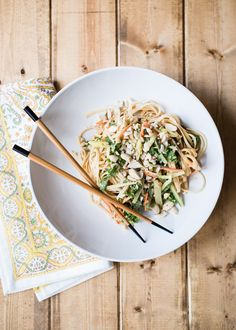 No oven needed for these tasty cold peanut noodles loaded with crunchy fresh veggies, garlic and ginger. Vegetarian and gluten-free.