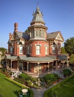"highvictoriana: The ""Empress"" in Little Rock, AK."