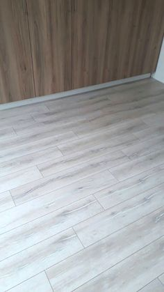 Laminate Wood Flooring - FinFloor AGT Natura Kanyon Oak