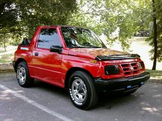 Photo by Rick Vance Suzuki Vitara Cabrio, Suzuki Jimny, Geo Tracker, Sidekick Suzuki, Chevy, Chevrolet, Mini Jeep, Adventure Car, Kei Car