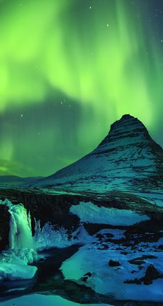 Book a trip to Iceland to see the Northern Lights for yourself Find your alien inspired items from our shop! (Link in Bio) Beautiful Sky, Beautiful Places, Places To Travel, Places To See, Juan Les Pins, See The Northern Lights, Natural Phenomena, Iceland Travel, Science And Nature