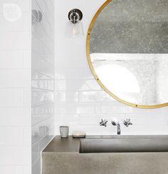Rustic and refined home / Un hermoso hogar rústico y refinado // casahaus.net