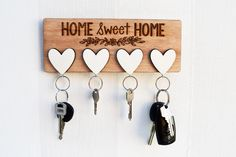 Risultati immagini per wall key holder diy Diy Wood Projects, Wood Crafts, Woodworking Projects, Router Projects, Rockler Woodworking, Woodworking Tools, Cool Diy, Wall Key Holder, Key Holders
