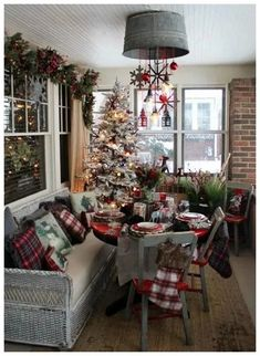 Are you searching for ideas for farmhouse christmas tree? Check out the post right here for cool farmhouse christmas tree ideas. This kind of farmhouse christmas tree ideas looks fantastic. Farmhouse Christmas Decor, Noel Christmas, Outdoor Christmas Decorations, Rustic Christmas, All Things Christmas, Winter Christmas, Christmas Themes, Christmas Crafts, Holiday Ideas