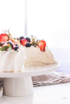 How To Make Authentic Pavlova Cake | The Pure Taste