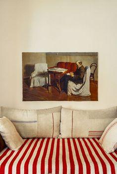 Paris home of Inès de la fressange Paris Home, Design Scandinavian, Design Living Room, Pink Walls, Interior Design Inspiration, Cheap Home Decor, Decoration, Interior And Exterior, Interior Decorating