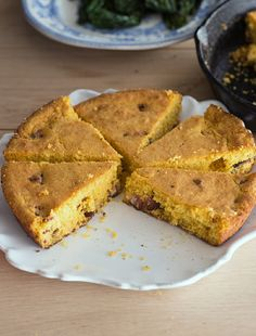 We came across this amazing recipe that calls for cornbread and bacon and couldn't resist. Comfort food in the winter is a must - this Southern style recipe is well worth a try!