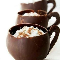 Yummm the perfect cup for chocolate & ice cream lovers