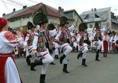Romanian traditional costumes Part 1 Port national Folk Clothing, Eastern Europe, World Cultures, Traditional Dresses, Most Beautiful, Costumes, Clothes, Beauty, Dancers