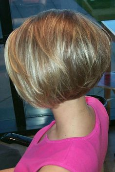 Hair Growth Tips. Hair Care Tips That Will Help You Out. Anyone can have great hair. There are lots of different things you have to overcome in order to get the best looking hair. Bobs For Thin Hair, Short Hair With Layers, Short Hair Cuts For Women, Stacked Haircuts, Short Bob Haircuts, Short Bob Cuts, Short Wavy, Medium Hair Styles, Short Hair Styles