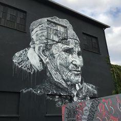 Mister Freeze 2016 in Toulouse #toulouse #misterfreeze2016 #portrait #grandma #face #drawing #painting #arteurbano #streetart #mural #wallart #graphicdesign #contemporaryart #design #graffiti