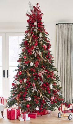 Frosted Christmas Tree, Elegant Christmas Trees, Traditional Christmas Tree, Country Christmas Decorations, Ribbon On Christmas Tree, Christmas Tree Design, Christmas Tree Themes, Noel Christmas, Rustic Christmas