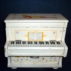MID CENTURY Vintage Musical Upright Piano Jewelry Box Music BOX  WORKS! retro