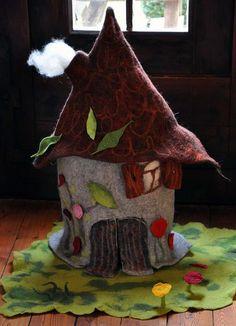 ...eine tolle Deko fürs Wohnzimmer, auch zum Spielen mit Figuren oder als Schaufenster-Dekoration für Allerlei, z.B. ein Spielwarengeschäft.  Es be...