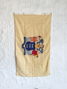 new jersey state flag from the 80's. great condition. cotton construction. two metal grommets. 3' x 5' *part of a great collection sent to an elementary school from each state, some of which have been