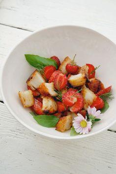 Seared Scallop, Strawberry, and Basil Salad by lemonfirebrigade