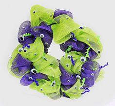 Googly Eyes Geo Mesh Wreath #Halloween