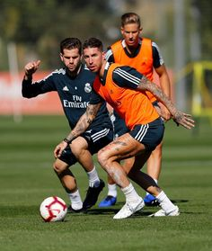 Real Madrid official website with news, photos, videos and sale of tickets for the next matches. Experience of belonging to Real Madrid! Real Madrid Official, International Football, Club, Champion, Europe, Running, Sports, World, Sergio Ramos