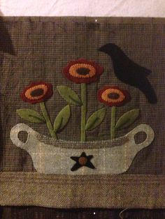 The Autumn Quilt is started Penny Rug Patterns, Wool Applique Patterns, Felt Applique, Quilt Patterns Free, Applique Quilts, Print Patterns, Primitive Quilts, Felted Wool Crafts, Wool Quilts