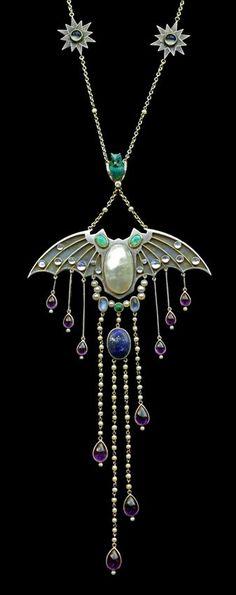JUGENDSTIL Superb Symbolist Bat Pendant in the manner of GEORG KLEEMANN 1863-1932 Silver Gold. German, circa 1910