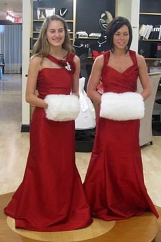 Exactly how I want my bridesmaids to look if I have a winter wedding!!