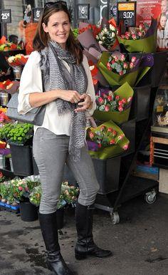 jennifer gardner with chanel purse | Jennifer Garner
