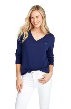 Elevate your sweater game with our gorgeous Heritage Cotton V-Neck Sweater. Made with a relaxed fit and combed cotton for a soft handfeel, you'll want this in every color! Classic Outfits, Trendy Outfits, Blue Sweaters, Sweaters For Women, Preppy Dresses, Trendy Tops, V Neck, Vineyard Vines, Clothes For Women