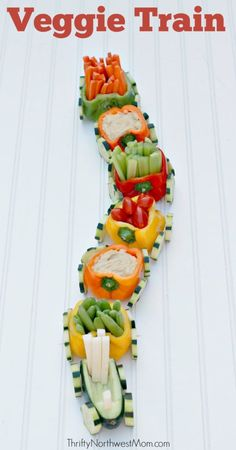 Veggie Train with Hummus Dip Kid-Friendly Appetizer for Parties Courtney Schor. - Veggie Train with Hummus Dip Kid-Friendly Appetizer for Parties Courtney Schorr Ich Folge - Snacks Für Party, Appetizers For Party, Appetizer Recipes, Veggie Appetizers, Birthday Food Ideas For Kids, Appetizers For Thanksgiving, Baby Party Foods, Healthy Kids Party Food, Party Recipes