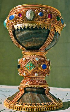 """museum-of-artifacts: """" Chalice of Doña Urraca, Leon, Spain, known from century. """" This jewel-encrusted onyx chalice which is alleged to be the Holy Grail; the cup from which Jesus drank and served Holy Communion. Romanesque Art, Bijoux Art Deco, Medieval Jewelry, Wiccan Jewelry, 11th Century, Archaeology, Metal Working, Antiques, King Henry"""