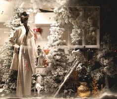 Bergdorf Goodman held an event to reveal their Christmas windows – Holidays on Ice.