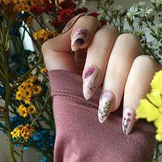 Read my previous post for some shop related changes ⬇️💘 . . . . . #naildecals #melbournenailart #nailart #fakenails #instanails #notd #네일디자이너 #nailsoftheday #pressonnails #nailartofinstagram #nailitdaily #ignails #nailsdid #etsy #selfnail #melbournefashion #fashion #instafashion #etsyau #pressedflowers #driedflowers #etsyseller #flowers #nailwraps #australianmade #madeinaustralia #bbloggers #bbloggersau #instabeautyau