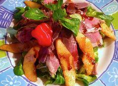 Рецепт салата с ломтиками копченого гуся и карамелизованной айвой с острой мандариновой заправкой