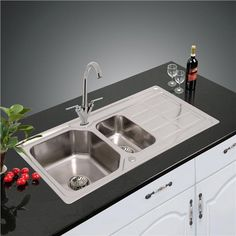 NEW DOUBLE 1.5 BOWL STAINLESS STEEL KITCHEN SINK & DRAINER PLUMBING & WASTE KIT