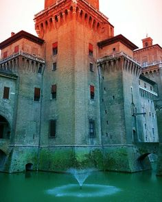{Getto d'acqua} Ferrara 23/04/2016 #italia #italy #spring4igers #rsa_architecture #ig_emiliaromagna #igersferrara #ig_ferrara #igersitalia #vivoemiliaromagna #loves_emiliaromagna #vivo_italia #vivoferrara #yallersitalia #folkitaly #igersemiliaromagna #lookingforaframe #ig_sharepoint #italian_places #huntgramitaly #_scattomattoitalia_ #communityfirst #livefolk #ig_italia #volgoemiliaromagna #volgoferrara #ig_italy #instaitalia #whatitalyis #ig_masters #ig_worldclub by federico_controni