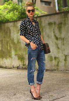 street style chic How to Wear Distressed Denims and Ripped Knees Jeans