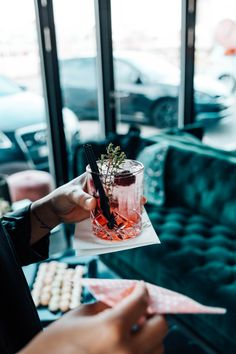 Manusia Launch Party | March 2020  #eventdeisgn #corporateevent #launchparty #launch #fashionlaunch #fashionlaunchparty #eventdecor #launchpartyinspiration #popup #popupparty #popupevent #basel #switzerland #launchpartydrink #drink #cocktail #cocktailparty