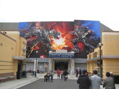 I know what you're thinking, but yes, here I am at another theme park! I'm at Universal Studios Hollywood for their Technical Rehearsal of T. Universal Studios Rides, Universal City, Disney Parks, Photo Studio, Transformers, Disneyland, Florida, Hollywood, Disney Theme