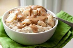 Avena crujiente Ingredientes: Hojuelas de arroz Mantequilla de maní Mini malvaviscos Avena
