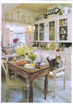 Shabby Chic_Dining Room_2 by efrenolivia, via Flickr