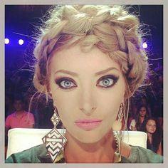 "Képtalálat a következőre: ""delia budeanu"" Everyday Makeup, Everyday Fashion, Beauty Skin, Hair Beauty, Makeup For Blondes, Love Makeup, About Hair, Gorgeous Women, New Hair"