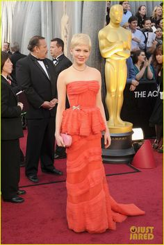 Michelle Williams in Louis Vuitton at the 2012 Oscars