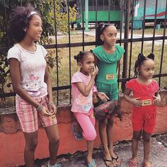 Shout out to brotha Alex for telling these little Cuban girls that they were beautiful and to always love themselves. Yesterday's #rumba was great we only have one more day in Cuba... #iLBB #havana #cuba #cute #pretty #pink #blackgirlsrock... Follow us on iG: http://ift.tt/1XfKZZa