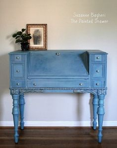 The vintage desk is done in layers of Annie Sloan Aubusson, Provence and Duck Egg chalk paints and is now quite a vintage gem!