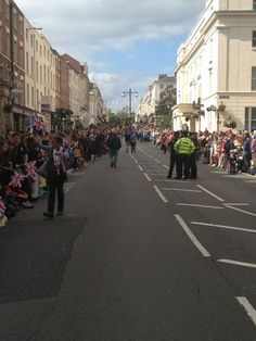 Crowds getting ready to cheer Olympic Torch Relay (via Ryan Cranton)