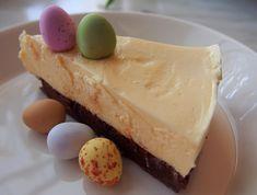 #pääsiäinen #mangokakku #pääsiäiskakku Easter Recipes, Easter Food, Cheesecake, Baking, Desserts, Tailgate Desserts, Deserts, Cheese Cakes, Bakken